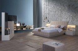 Marina Modern Yatak Odası Takımı  Modern ve rahatlatıcı bir yatak odasında uyanma konforunu hissedeceksiniz. Yatak başlığında kaliteli soft döşeme kullanılmış ve komidinlerdeki aydınlatmalar ile modern bir atmosfer oluşturulmuştur.