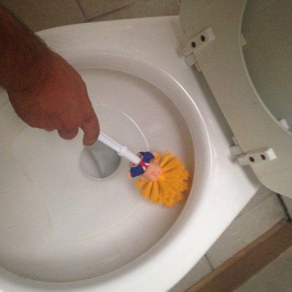 Make Stuhlgang Great Again – Die Trump Klobürste | Toilet brush ...