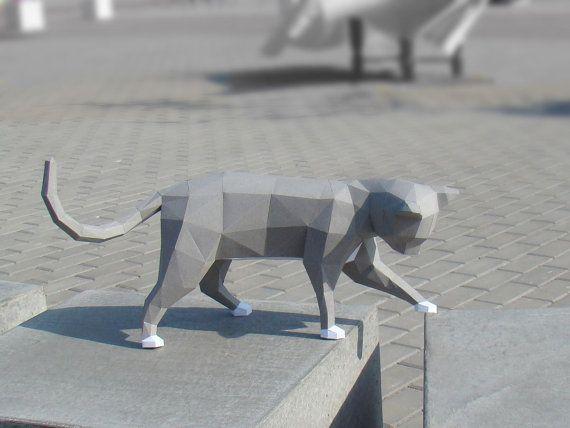 Plantilla de papercraft de baja poli gato curioso por Paperstatue