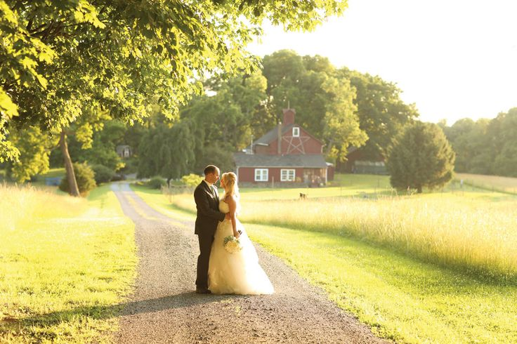 Top Farms and Barn Wedding Venues in New Jersey - bc I've always wanted a barn wedding!