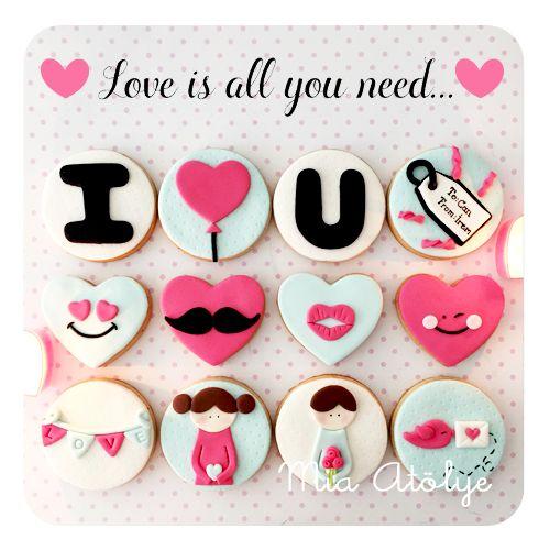 Fondant love cookies