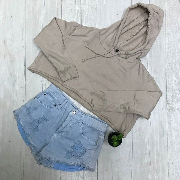 Just in a Schaumburg Plato's Closet! This cropped pullover and distressed shorts. Super cute for less than $12! http://ift.tt/2oLA4Jy - http://ift.tt/1HQJd81