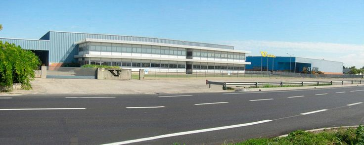 1980 Opening of the new factory (Lugo, via Pratello) n°106 Production facilities - n°104 Spare parts - n°57 historical facilities Total area: 65.000 Mq, covered area: 35.000 Mq, employees: 120