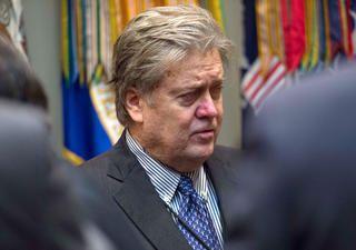 02/02/2017 - États-Unis. Steve Bannon. L'ancien directeur du site d'extrême droite Breitbart News exerce une influence démesurée au sein de la Maison-Blanche. Pour lui, la partie ne fait que commencer.