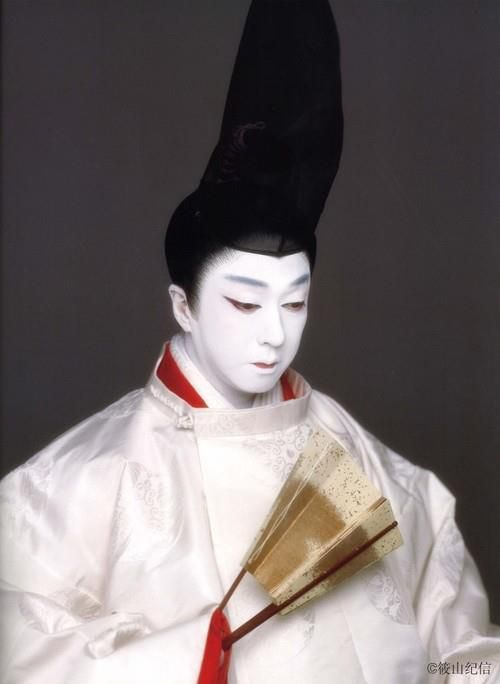 Tamasaburo Bando, a Kabuki actor who specializes in onnagata (women's roles), who in this image, appears in the role of a Heian noblem...