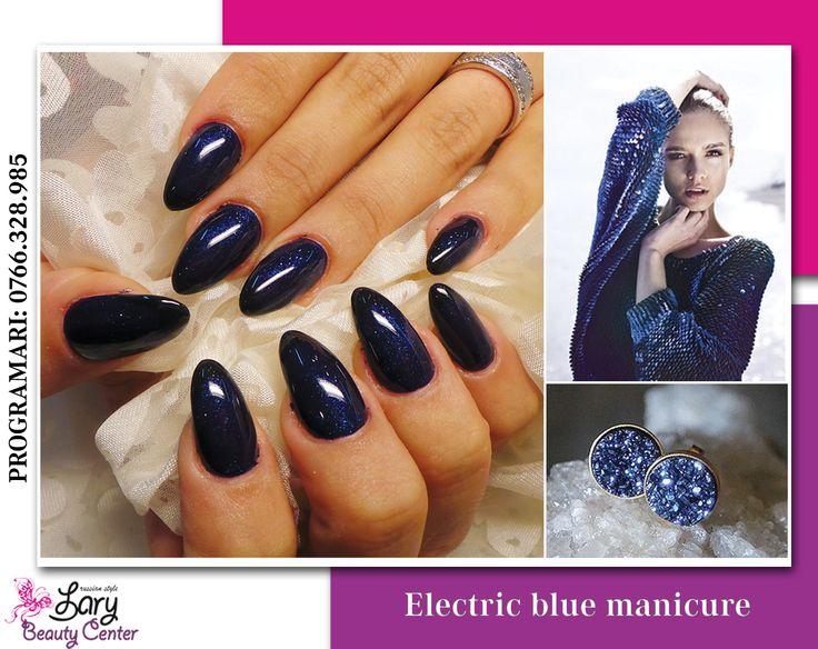 glitter blue nails http://www.larybeautycenter.ro/