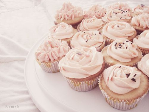 pale pink rosette cupcakes!