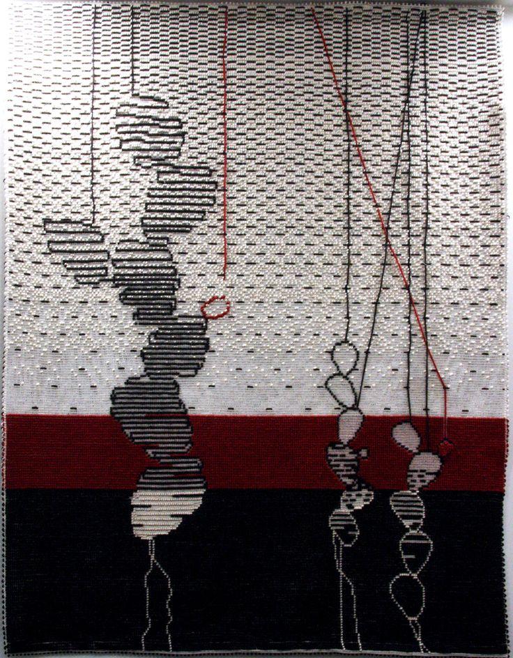 """Tappeto CACTUS APPESI AI FILI su parete, 170x240 cm, realizzato a mano con le tecniche """"Pibiones"""" e """"Litzos"""". Materiali: 80% lana, 20% cotone."""