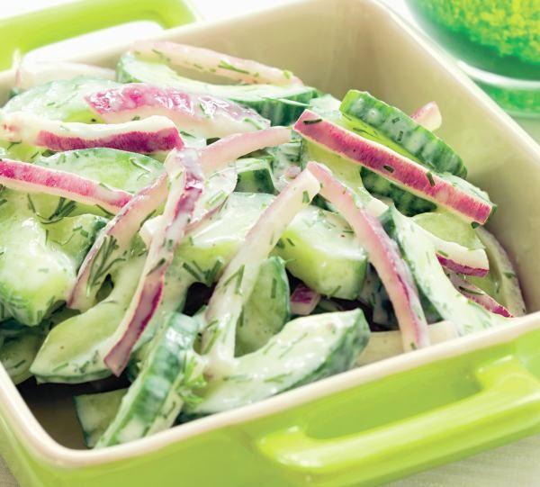 Salată de castraveţi de seră - Retete culinare - Romanesti si din Bucataria internationala