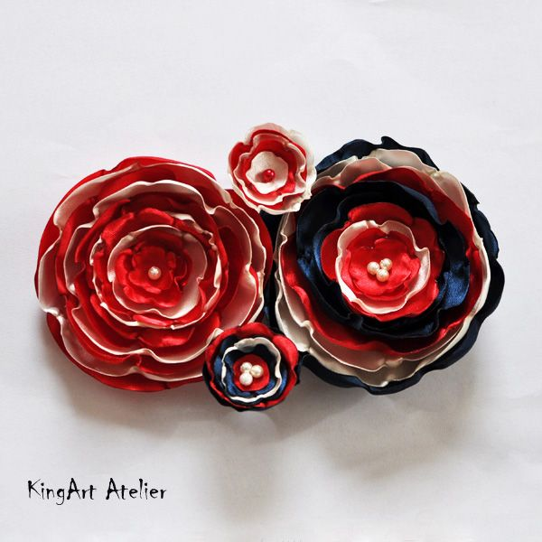 Handmade flower rings and brooches by KingArt Atelier