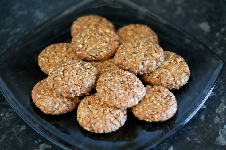 Buckwheat flakes biscuits  1 cup of buckwheat flakes, 1 cup of spelt flour 1/2 cup of brown sugar, I use coconut sugar instead (is healthier), 1/2 cup of cashew nuts (or any u like - u must crack them in the mixer (if u dont have a mixer, use the small plastic bag) 1/2 cup of olive oil, 1/2 cup of coconut oil, 3spons of honey, 1 1/2 of tea spoon of baking soda (soda bicarbona) 1 tea spoon of cinnamon, 2 spoons of chia seeds and 2 spoons of sesame. Mix everything all togher and,