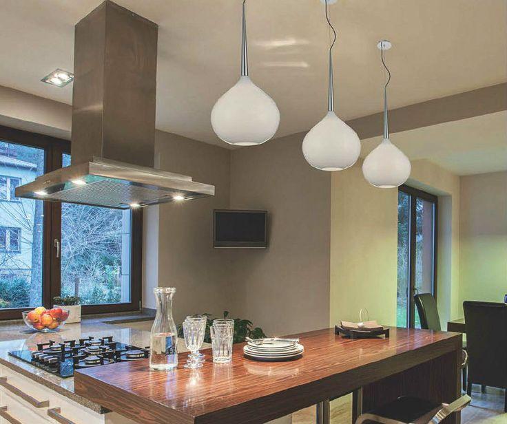 Lampa wisząca z kolekcji Zuma Line Musca swoim wyglądem przypomina odwrócony kielich. Idealnie wkomponuje się w każde wnętrze. Stworzona dla osób ceniących prostotę.