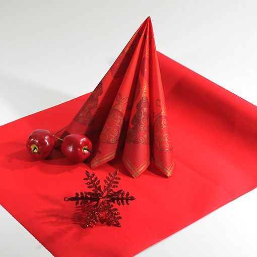 Inspiration – Rød tekstilbordløber  #tekstilservietter #julemiddag