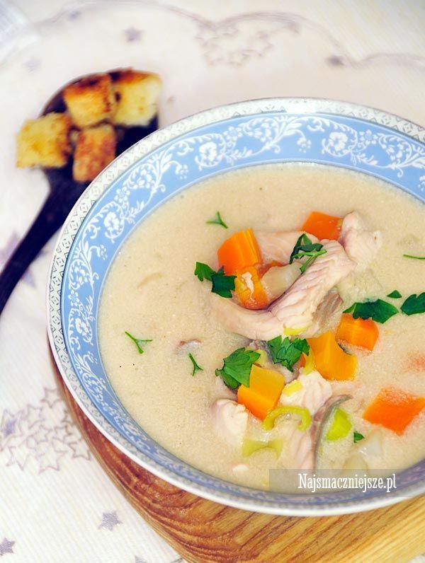 Delikatna zupa rybna z pstrąga na wigilijną kolację. Zupa jest jest lekka, aromatyczna i szybka w przygotowaniu.