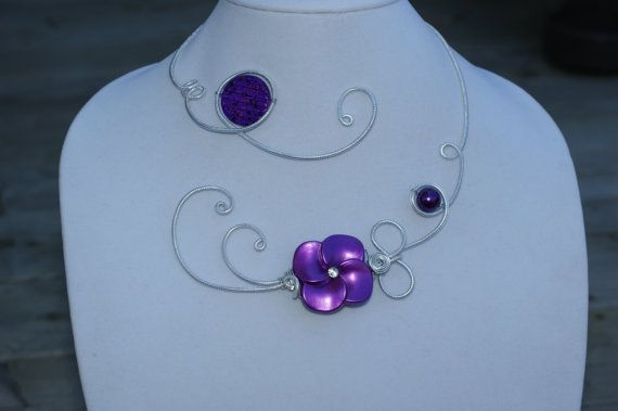 WEDDING JEWELRY  Metal wire purple necklace  par LesBijouxLibellule, $30.00
