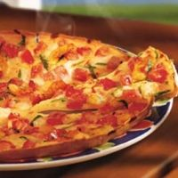 Red Lobsters Lobster Pizza Recipe, this doesn't sound too hard, which i love because it is the best pizza EVERR!
