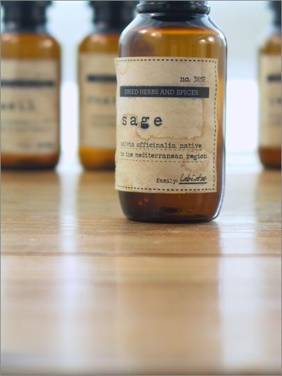 FREE Printable apothecary style spice labels and tea stain instructions