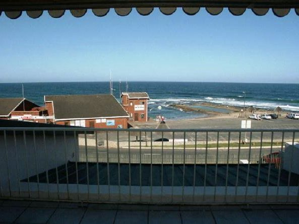 Eden Dunes 70 - Eden Dunes 70 is a lovely apartment with sea views situated in a secure complex on Shelly Beach.  The complex is also right behind Shelly Mall, which offers a variety of restaurants, shops and cinemas.The ... #weekendgetaways #margate #southafrica