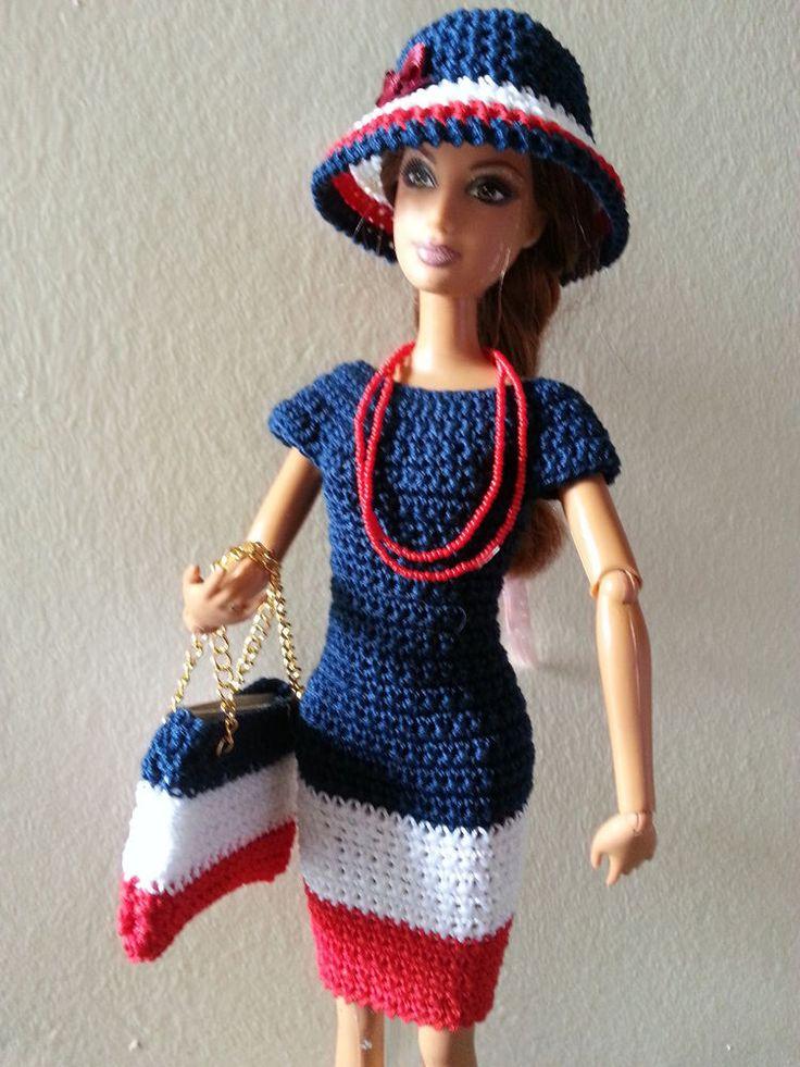 vêtement poupée mannequin Barbie (236)
