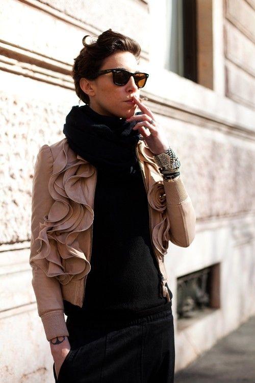 Fumar não é chic... Esse casaco sim, é lindo e chic!