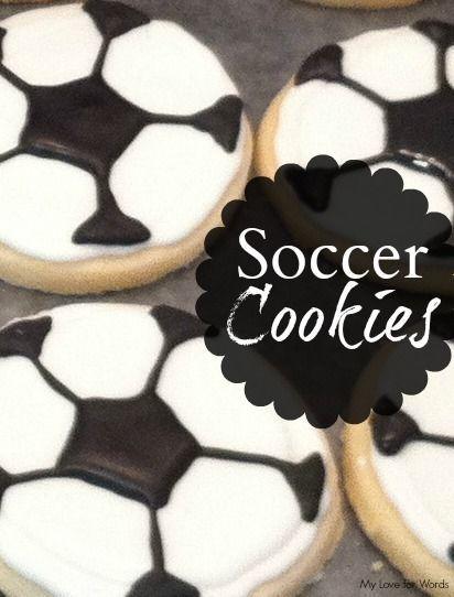Voetbal koekjes. Met uitleg hoe te maken. Lekker voetbal hapje.