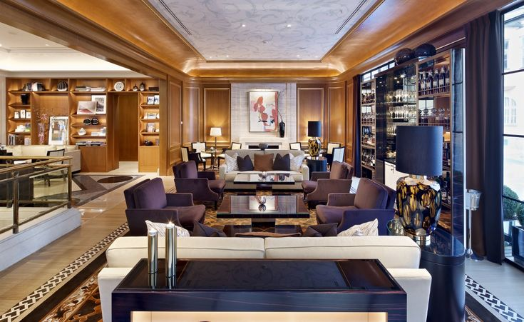 The Gallery Lounge at Four Seasons Hotel Prague