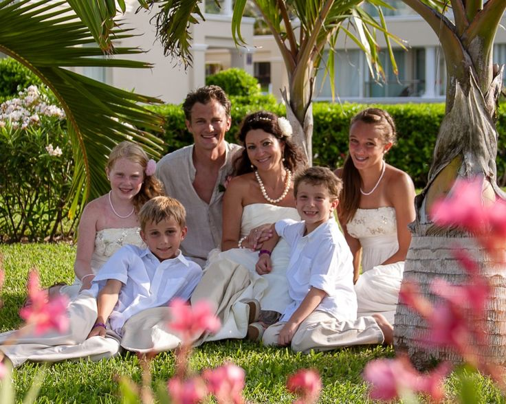 Your whole family will enjoy your Moon Palace Wedding. http://bit.ly/1KkSHGH #lizmooreweddingscancun