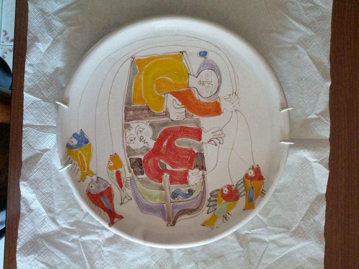 """Giovanni De Simone """"pescatori visti...da un drone"""" piatto d. 30 cm. anni 60-70'"""