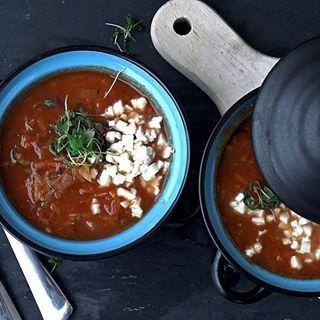🍅🍅🍅 Rozgrzewająca dawka warzyw w postaci zupy pomidorowej! #zupapomidorowa #zupawarzywna #zupa #pomidor #postanowienianoworoczne #PodNiebienie #tomatosoup #tomato #vegetablesoup #newyearresolution #newyearnewme #fit #healthyfood #healthyeating #cleaneating #foodporn #pornfood #foodphotography #kuchnia #kitchen #wiemcojem #polishblogger #zdrowewybory #cooking #foodie