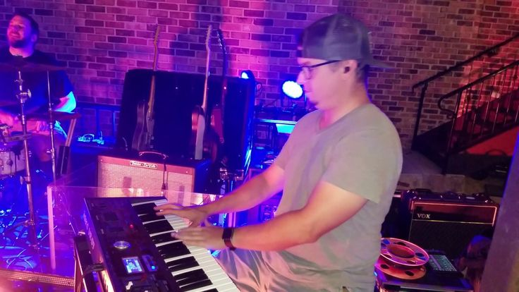 THE JUSTIN ROSS BAND-LIVE ON STAGE-TEXAS BLEU STEAK HOUSE-KELLER, TX 7/2...