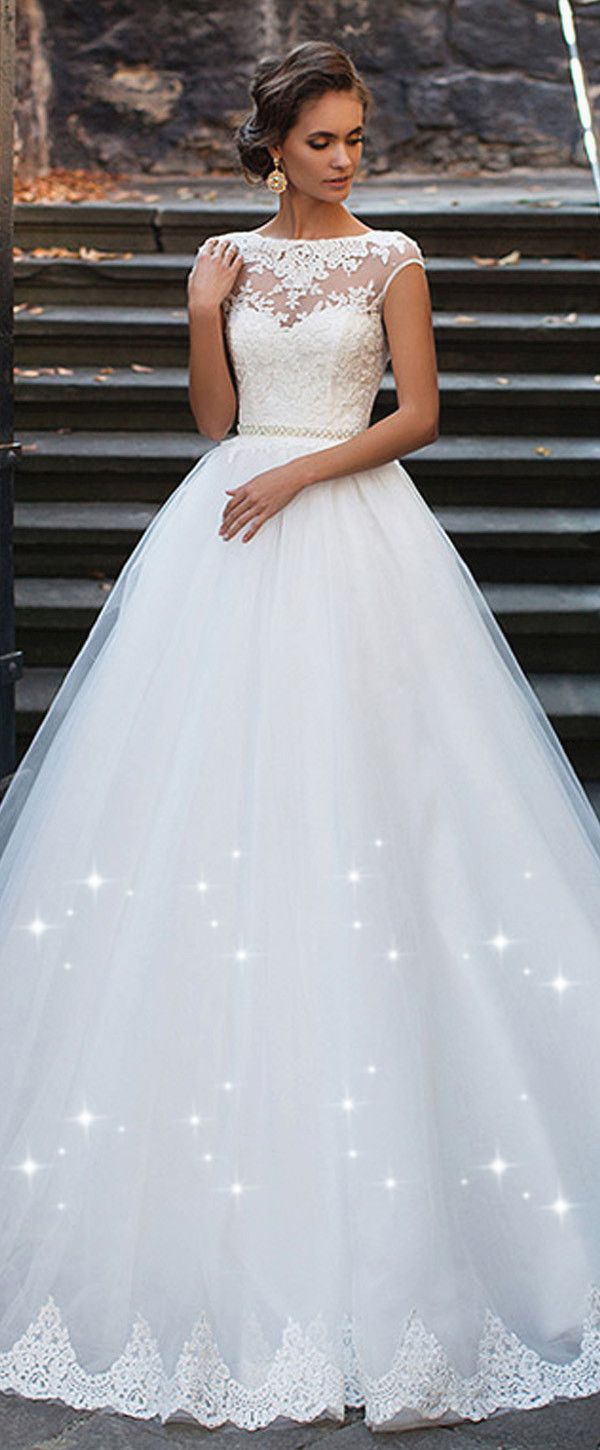 fb71b828286d3 Elegant Tulle Bateau Neckline Ball Gown Wedding Dresses With Lace Appliques