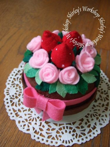 Strawberry Rose Felt Cake (music box) by Shirley's Workshop, via Flickr