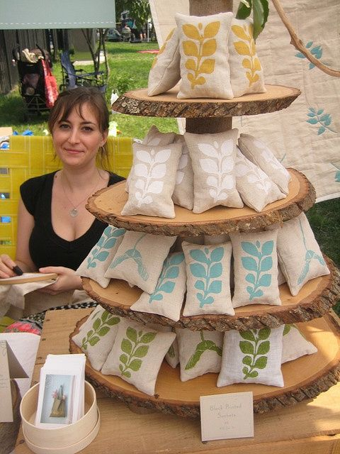 Craft fair stall inspiration. So inexpensive and easy to make to add height to your art fair or craft show display! #CraftShowDisplay