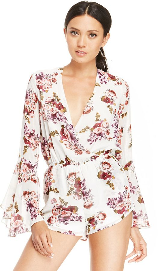 DAILYLOOK Floral Bell Sleeve Romper in white