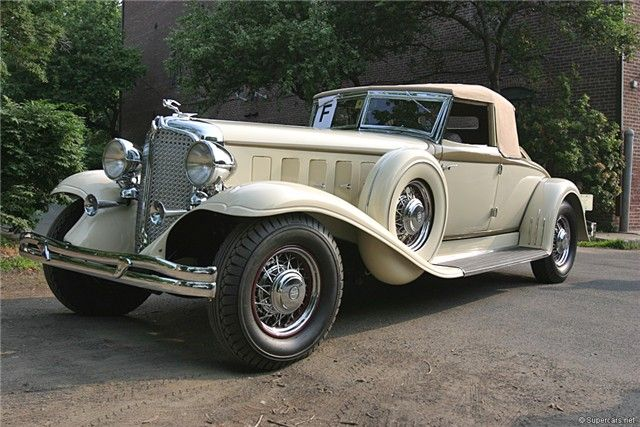 1932 Chrysler Imperial Custom 8 CL Roadster...... I would like to be driven to my grave in this car lol