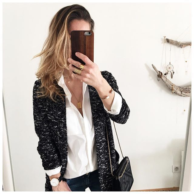 Bonne soirée 😘  •veste @camaieu  •chemise @vilaglobal  •bijoux @blackwhite_loving #laboutiquedelili  •sac @sezane  .  .  .  #cool #beautifulday#instadaily #instagood #instagram #lifestyle #blogger #blog #mood #fashion #fashionblogger #style #french #today #details #clothing #ootd #outfit #look #lookoftheday #instagrammers #outfitoftheday #ootdoftheday #mylookhome #mylook #white #necklace #instanecklace #goodnight