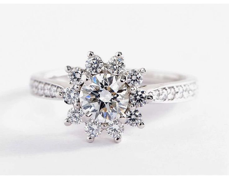 Starburst Floral Diamond Halo Engagement Ring | Blue Nile