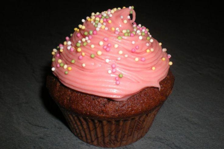 Chokladmuffins med rosa glasyr, Foto: Anna