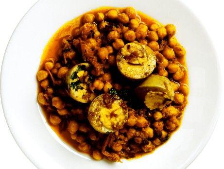 Kikärter med kokta ägg