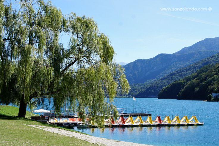 Lago di Ledro Trentino passeggiata sole cosa fare e vedere palafitte museo pedalò gita al lago picnic