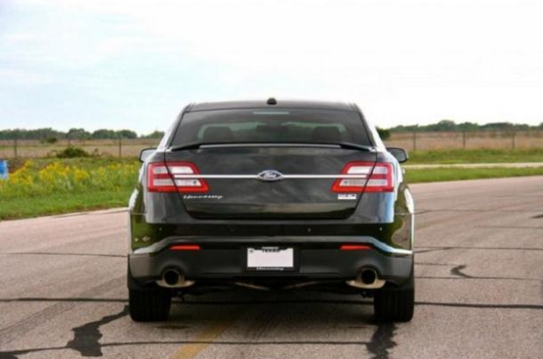back side ford taurus 2016