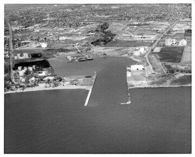 LH0054 Aerial view - Oshawa Harbour