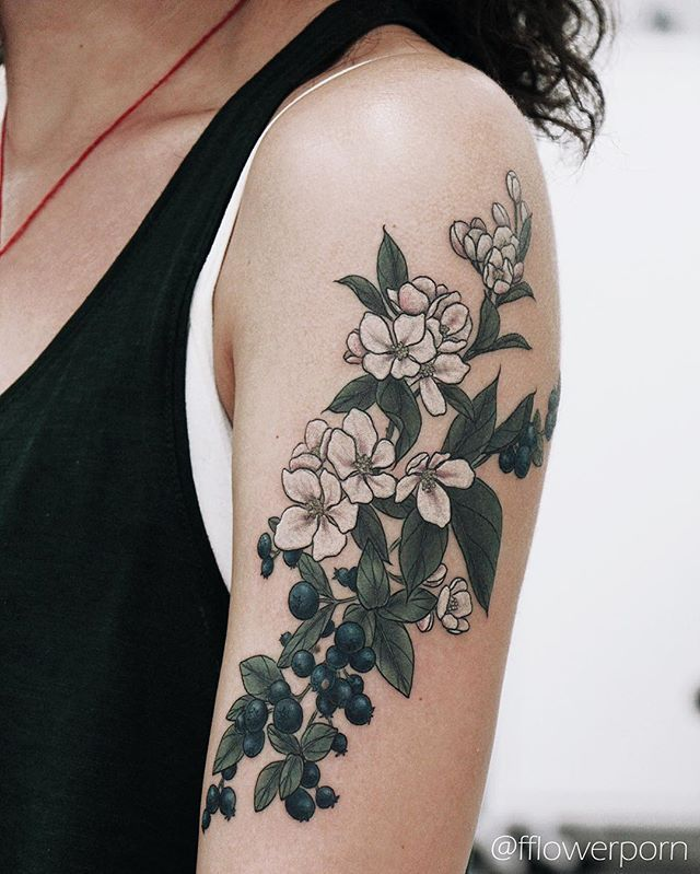 WEBSTA @ fflowerporn - Apple blossoms and blueberries for Maria #tattoo…