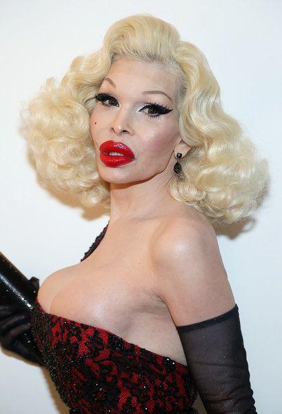 31 transgender celebrities-3055