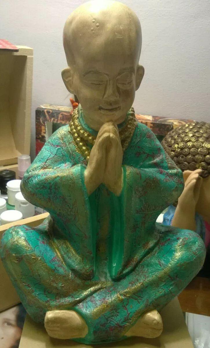 buda rezando de yeso decoupage 24 cm