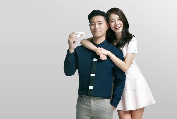 """""""Monday Couple"""" Song Ji Hyo and Gary's photoshoot for Kyung Dong Pharmaceutical's pain reliever commercial."""