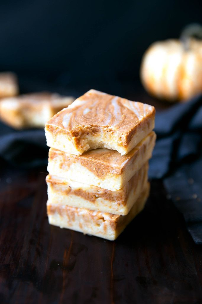 Pumpkin Pie White Chocolate Brownies that taste like brownies, white chocolate fudge, and pumpkin pie had a baby!