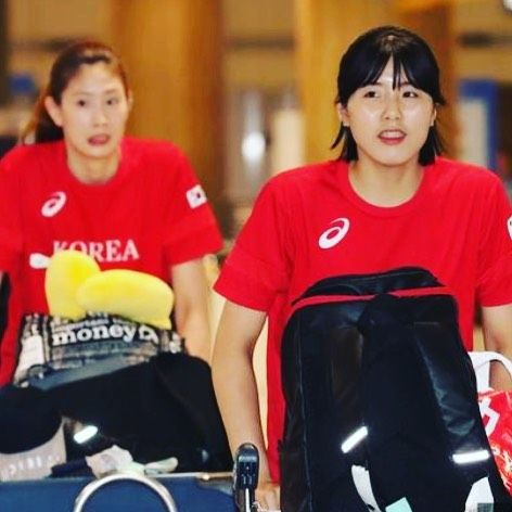 South Korea Women's volleyball team arrived in the airport  #rio #olympic #rio2016 #volleyball #olympics #brazil #southkorea #samba #makeithappen #countdown #roadtorio #wirhabeneinziel #timebrasil #brasil #football #brasilfootball #rionews #rioexpress #expressnews #sportsnews #instanews #instasports #tbt #like #follow #2016olympics #competition #schedule #Rumba #espanol
