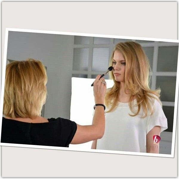 Natural beauty, egy kozmopolita nő mindennapi viselete. Egyszerűen nagyszerű! #makeup #beauty #trend