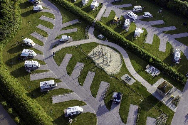 Recreatiepark De Klepperstee BV, Vrijheidsweg 1, Ouddorp ( 600 mtr vanaf strand )